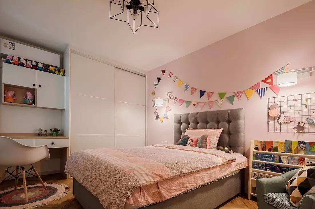 背景墙 房间 家居 起居室 设计 卧室 卧室装修 现代 装修 1100_733